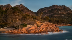 Honeymoon Bay, Freycinet NP, Tasmania, Australia